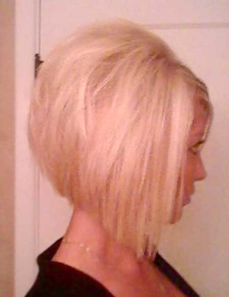 Voluminous-Vintage-Looking-Bob 25 Blonde Bob Haircuts