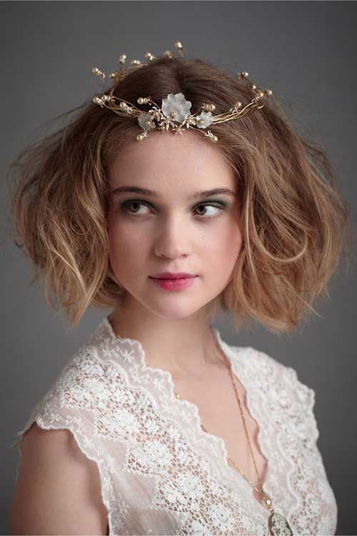 Wedding-Short-Curly-Bob-Hair-with-Accessories Best Wedding Bob Hairstyles You will Look Like Princess