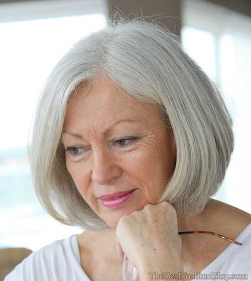 bob-hairstyle-with-layering-at-the-ends-of-the-hair Beautiful Short Haircuts for Older Women