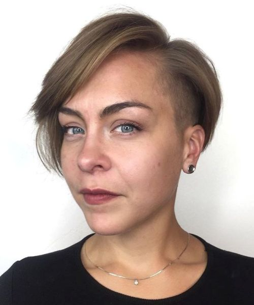 Asymmetrical-Side-Undercut-Bob 15 Stylish, Modern Undercut Bob Haircut in 2020