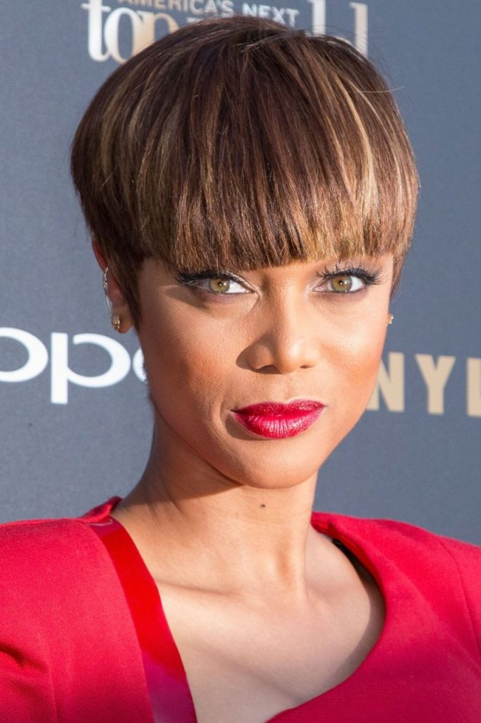 Cropped-Bob-with-Long-Fringe 15 Hairstyles with Bangs for an Ultimate Gorgeous Look