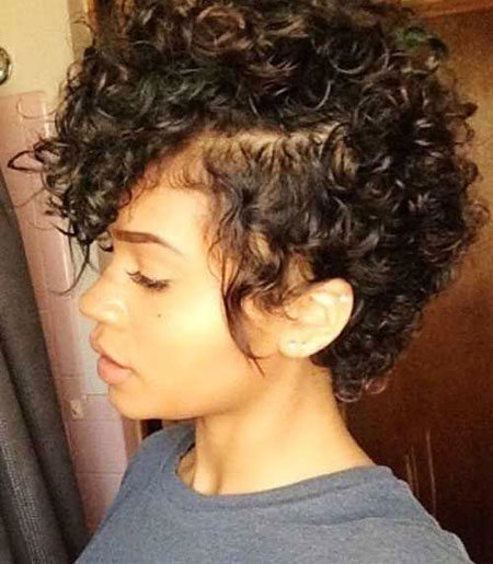 Cute-Natural-Hairstyle 33 Short Curly Natural Hairstyles for Black Women