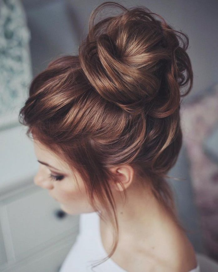 Effortless-Messy-High-Bun Messy Bun Hairstyle is the New Style to Enhance Your Look