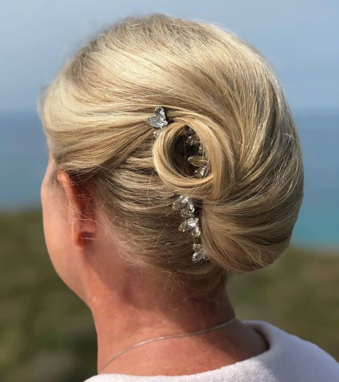 French-Twist 15 Beautiful Hairstyles for Mother of The Bride That's Easy To Put Together