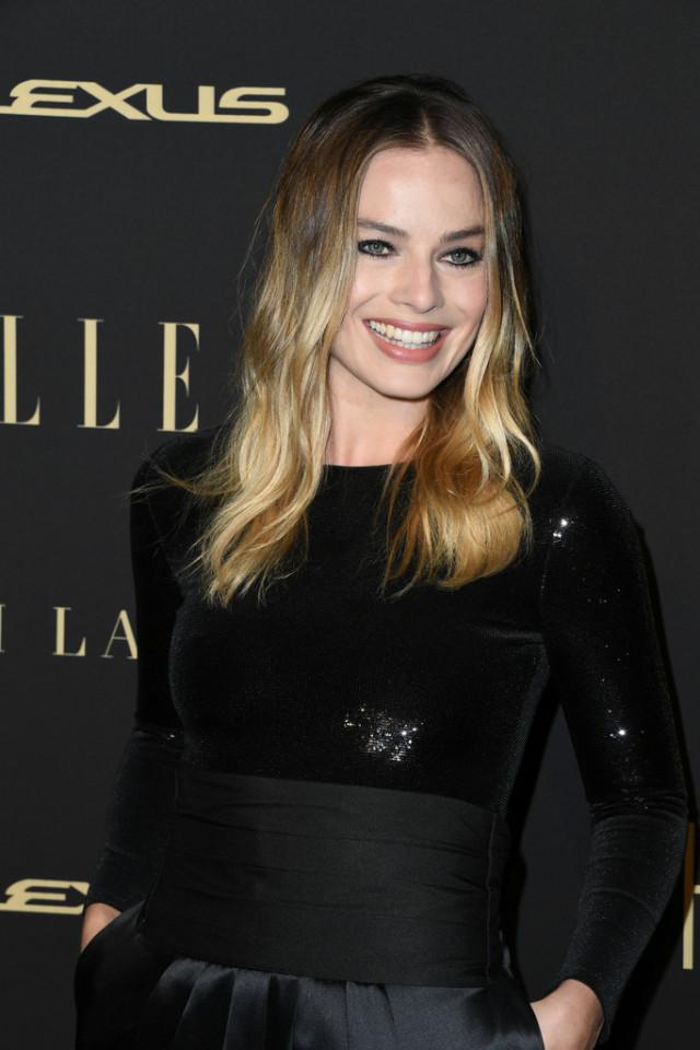 Honey-Blonde-Dip-Hair 20 Blonde Hairstyles 2020 to Flaunt this Year