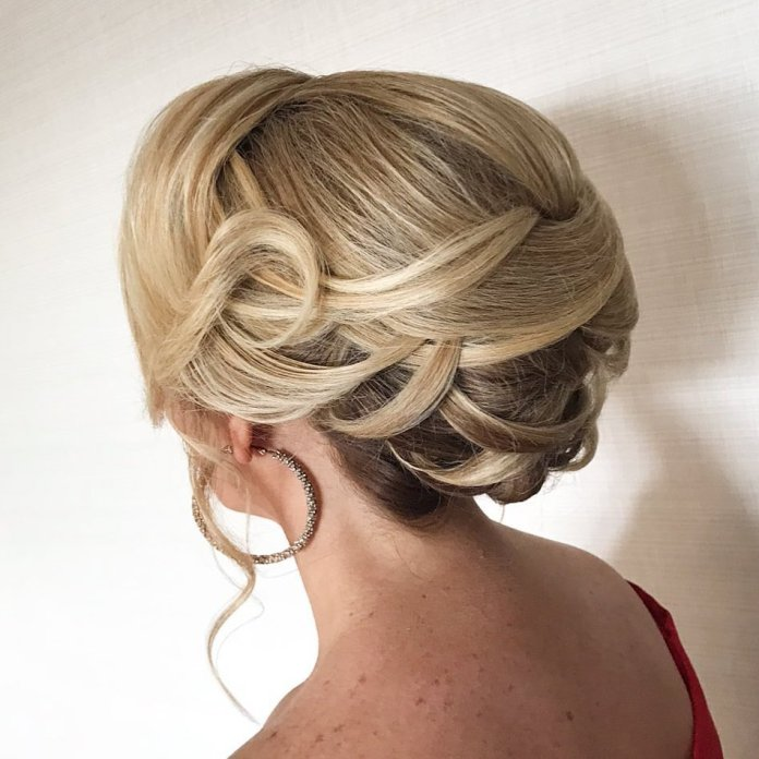 Loopy-Tuck-In 15 Beautiful Hairstyles for Mother of The Bride That's Easy To Put Together
