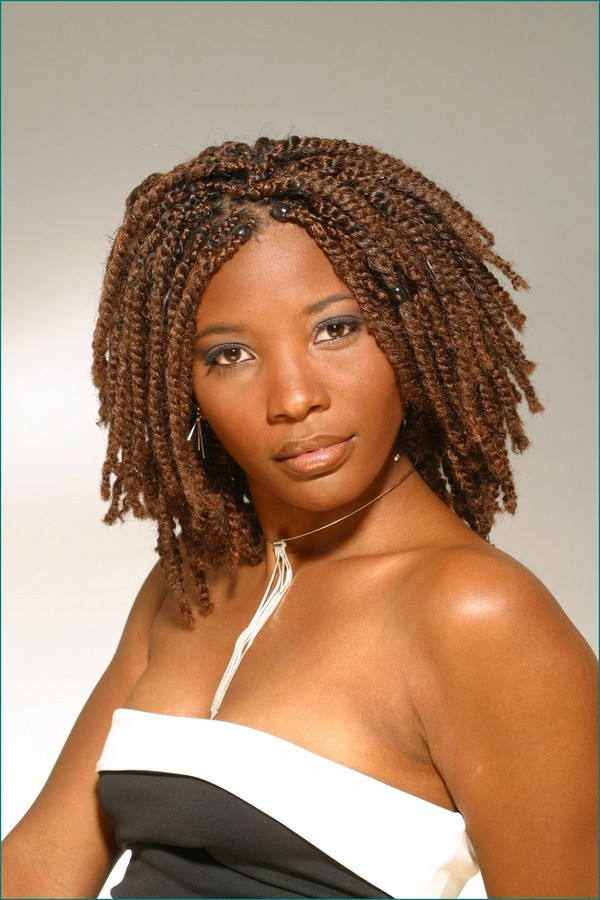 Manifold-Braids-in-Medium-Length-Hair 25 Black Braided Hairstyles for Voguish Look