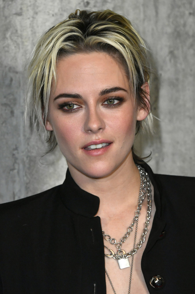 Messy-Ultra-Short-Blonde-Hair Hair Trends 2020 – 30 Hairstyles to Glam Up Your Look