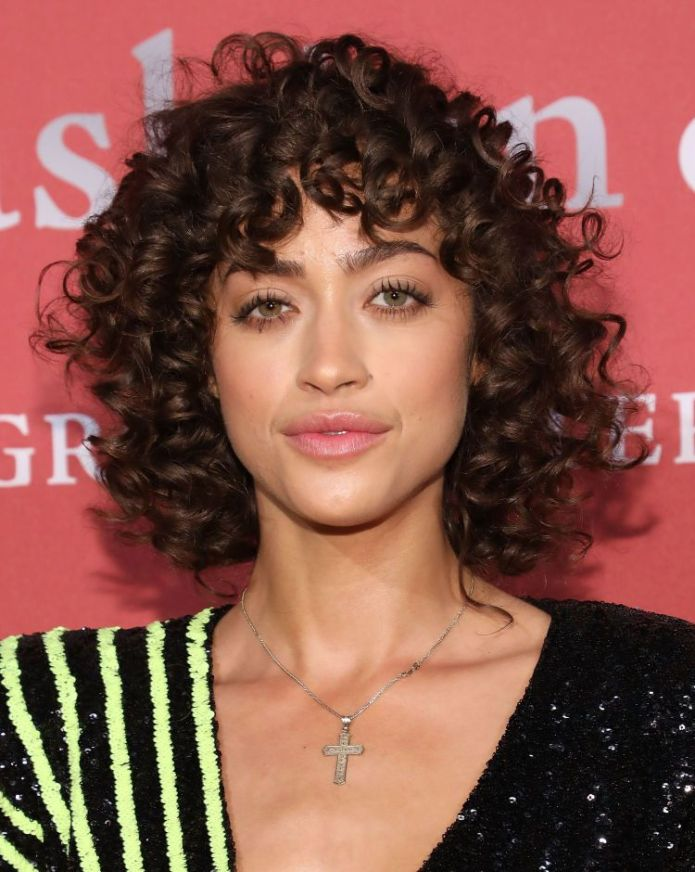 Natural-Mid-Length-Curls 20 Short Layered Hairstyles to Look Beautiful
