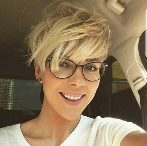 Short-Hair-Long-Layered-Bangs 20 Layered Short Haircuts for Women