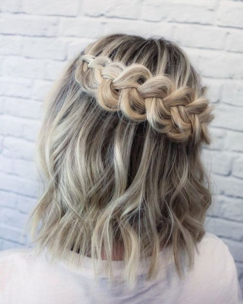 Shoulder-Length-Cut-with-a-Braid 15 Fabulous Hairstyles for Fine Hair