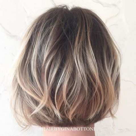 Soft-Bronde-Hair-with-Short-Layers 14 Trendy Balayage Short Hairstyles