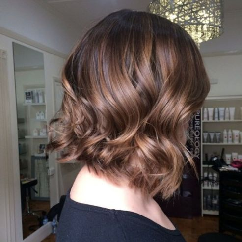 Soft-Wavy-Brown-Bob-with-Shaggy-Ends 14 Trendy Balayage Short Hairstyles