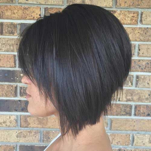 Stacked-Haircut-with-Bangs Best Short Layered Haircuts for Women