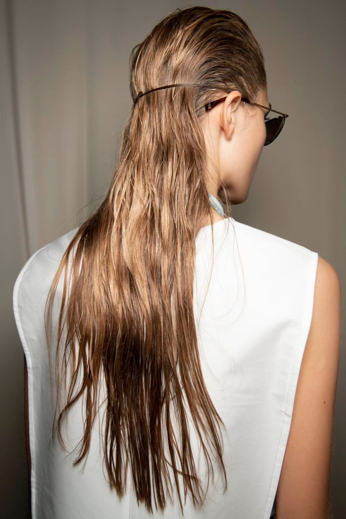 Styling-with-Natural-Hair-Texture Hair Trends 2020 – 30 Hairstyles to Glam Up Your Look