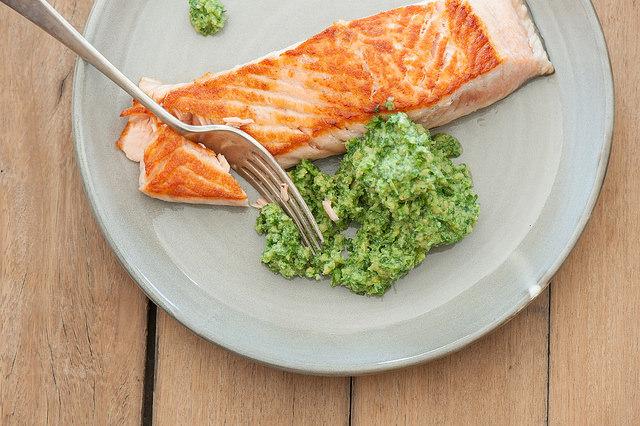 salmon-w-pesto