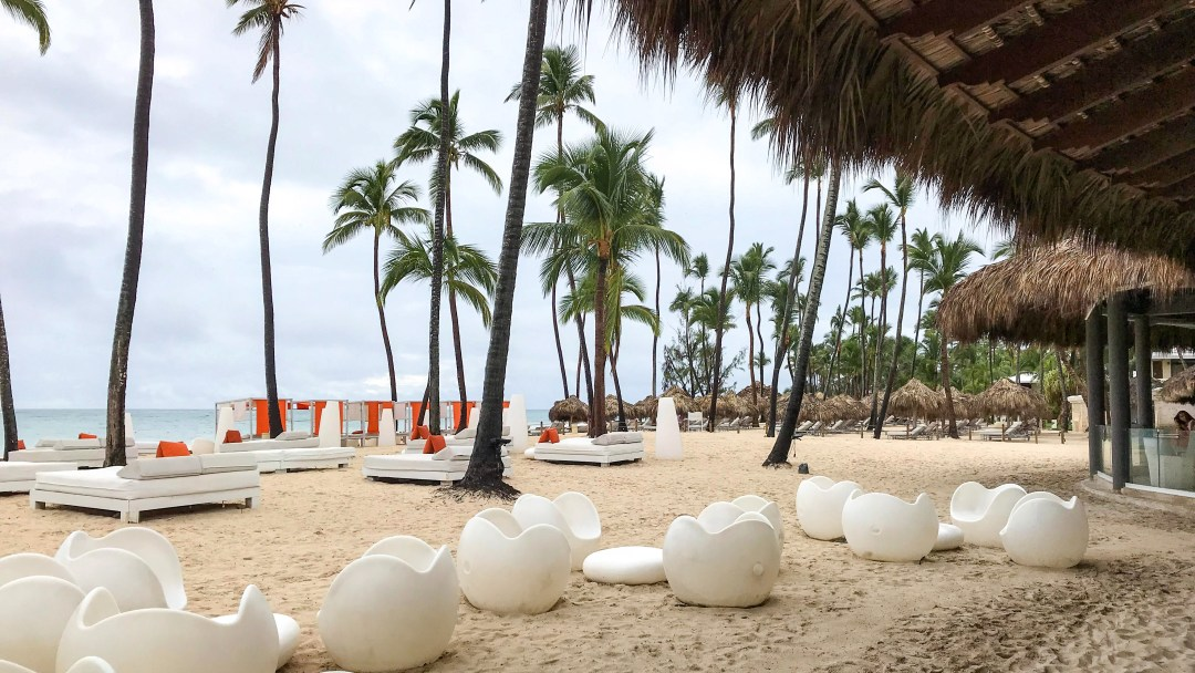 Beachfront dining at The Reserve at Paradisus Punta Cana