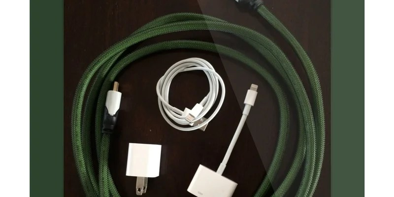 A Few Simple Tools to Hook Up Your iPad to Your TV