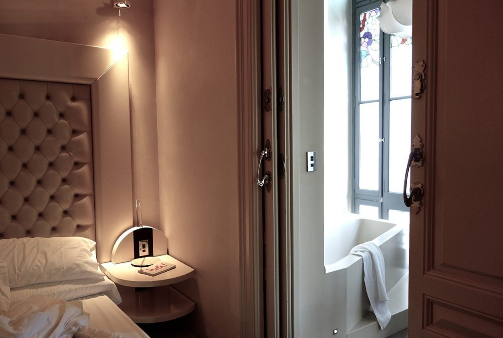 El Palauet Living Barcelona Luxury Hotel Apartments First Bedroom With Bath