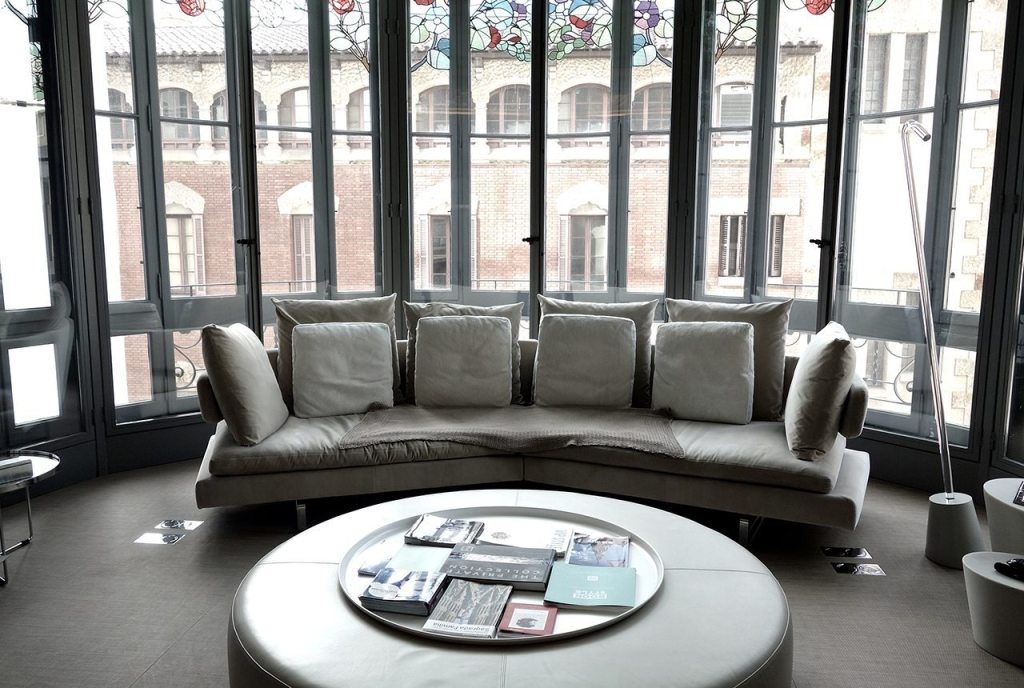 El Palauet Living Barcelona Luxury Hotel Apartments Lounge and Stained Glass Windows