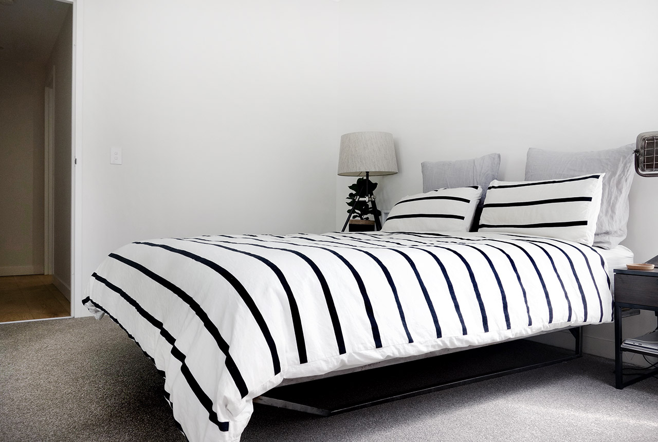 surry-hills-sydney-luxury-apartment-country-road-augie-striped-duvet-industrial-lamp-leopald-hall-25