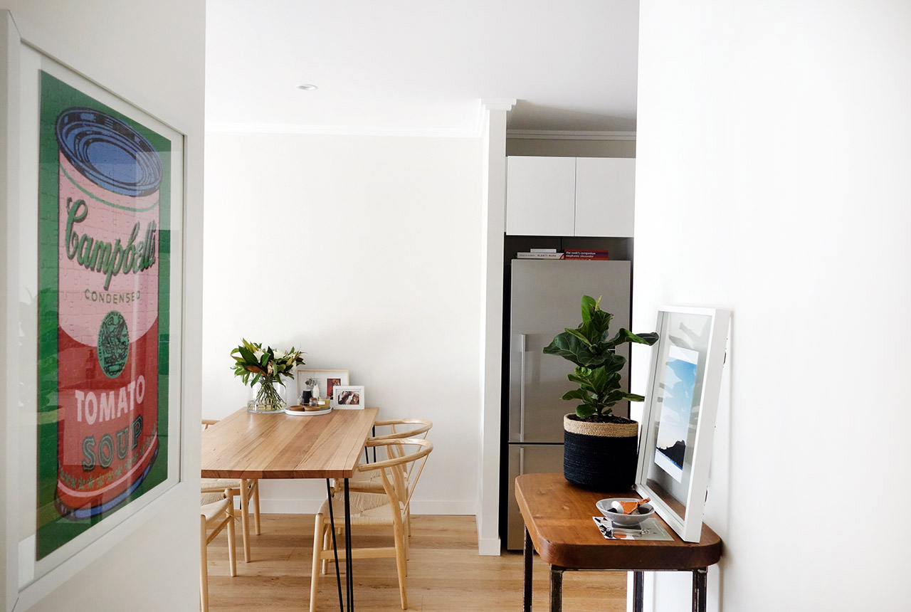 surry-hills-sydney-luxury-apartment-fiddle-fig-tree-diy-industrial-side-table-with-caster-wheels-campbells-soup-can-jigsaw-puzzel-32