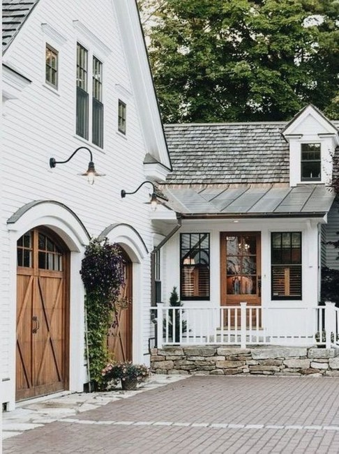 10 Seriously Inspiring Farmhouse Exteriors The Unlikely
