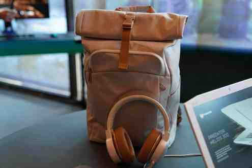 Helios 300 Gold and White Edition Bag and Headphones