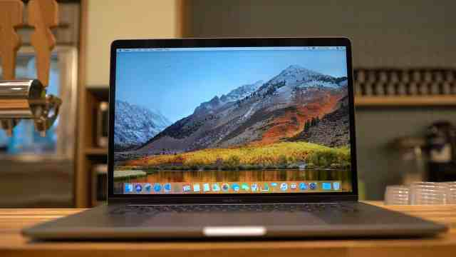MacBook Pro 2018 on Bar