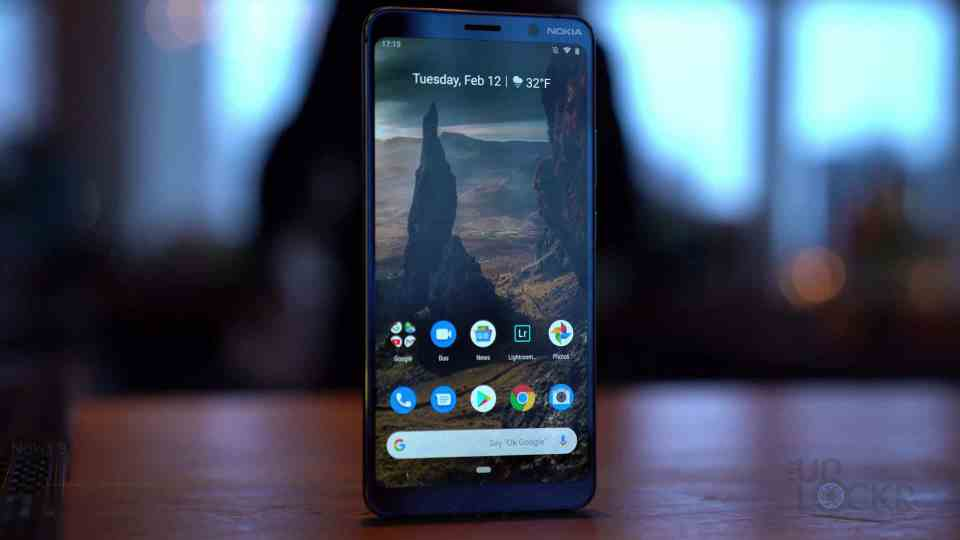 Front of Nokia 9