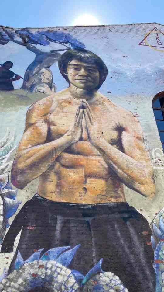 iPhone SE sample image of a mural of Bruce Lee