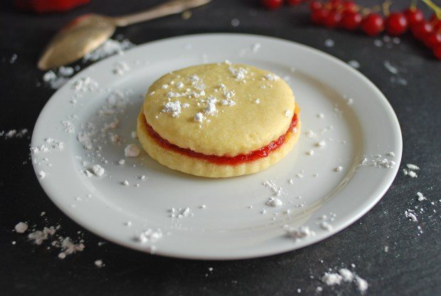 Strawberry Cookie Sandwich 3