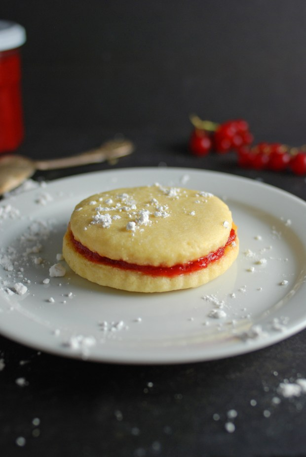 Strawberry Cookie Sandwich 4