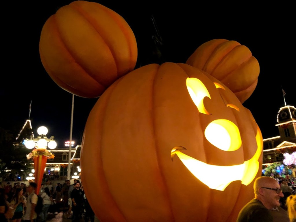 Disneyland Park 2019 Halloween Time giant mickey mouse pumpkin decor