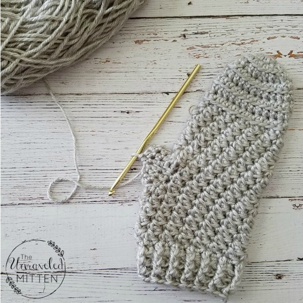 Moon Dance Mittens Free Crochet Pattern | The Unraveled Mitten
