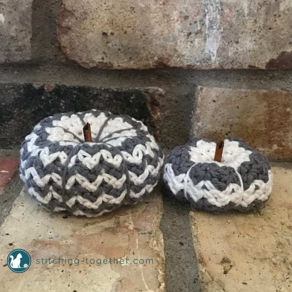 Crochet Pumpkins by Stitching Together | Free Crochet Pattern | part of In Stitches #19  on The Unraveled MItten