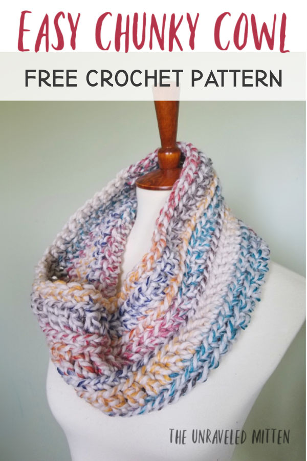 Oakland Chunky Crochet Cowl | Free Crochet Pattern | The Unraveled Mitten | This easy crochet cowl pattern works up with one skein of yarn in less than an hour!