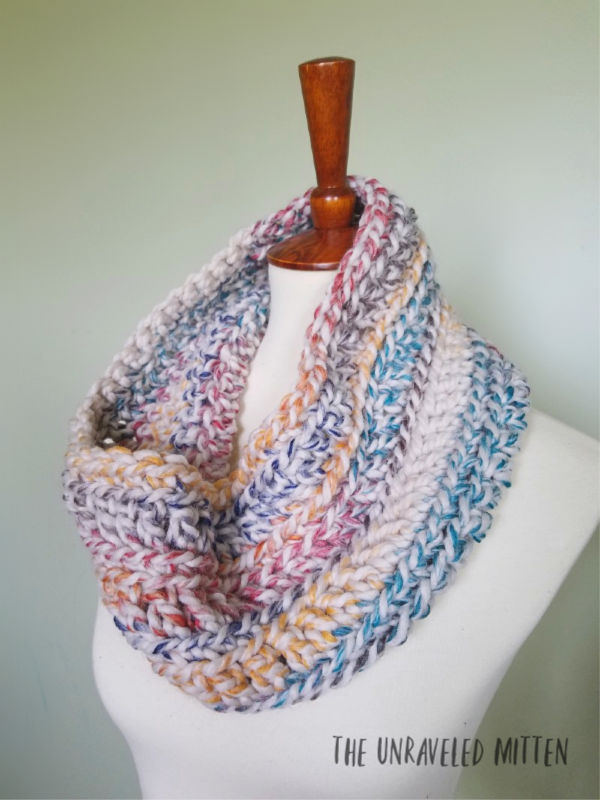 9 Free Crochet Patterns using Wool-Ease Thick and Quick in Hudson Bay | Oakland Chunky Cowl | part of a round up The Unraveled Mitten