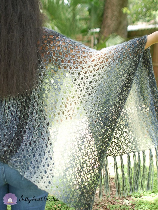 Diamond Lattice Kimono by Salty Pearl Crochet | Free Crochet Pattern | Part of a round up on The Unraveled MItten