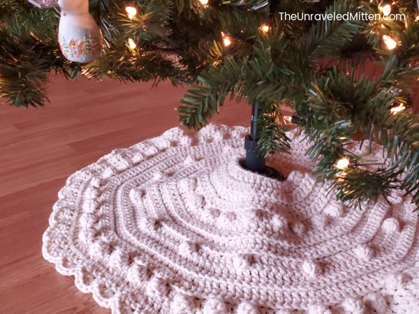 Chunky Christmas Tree Skirt Crochet Pattern