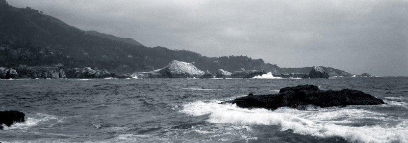 by Robert Jones. Hasselblad Xpan / Fujinon 90mm/f5.6 Kodak TMax 100 / Kodak HC-110 1:63 Negative toned in selenium 7:1