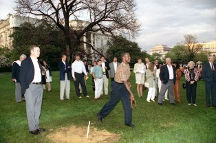 "(Local Identifier: P30990-25) ""President Bush Pitches Horseshoes with Players at the Redskins Barbecue at the White House"". George H. W. Bush Presidential Library"