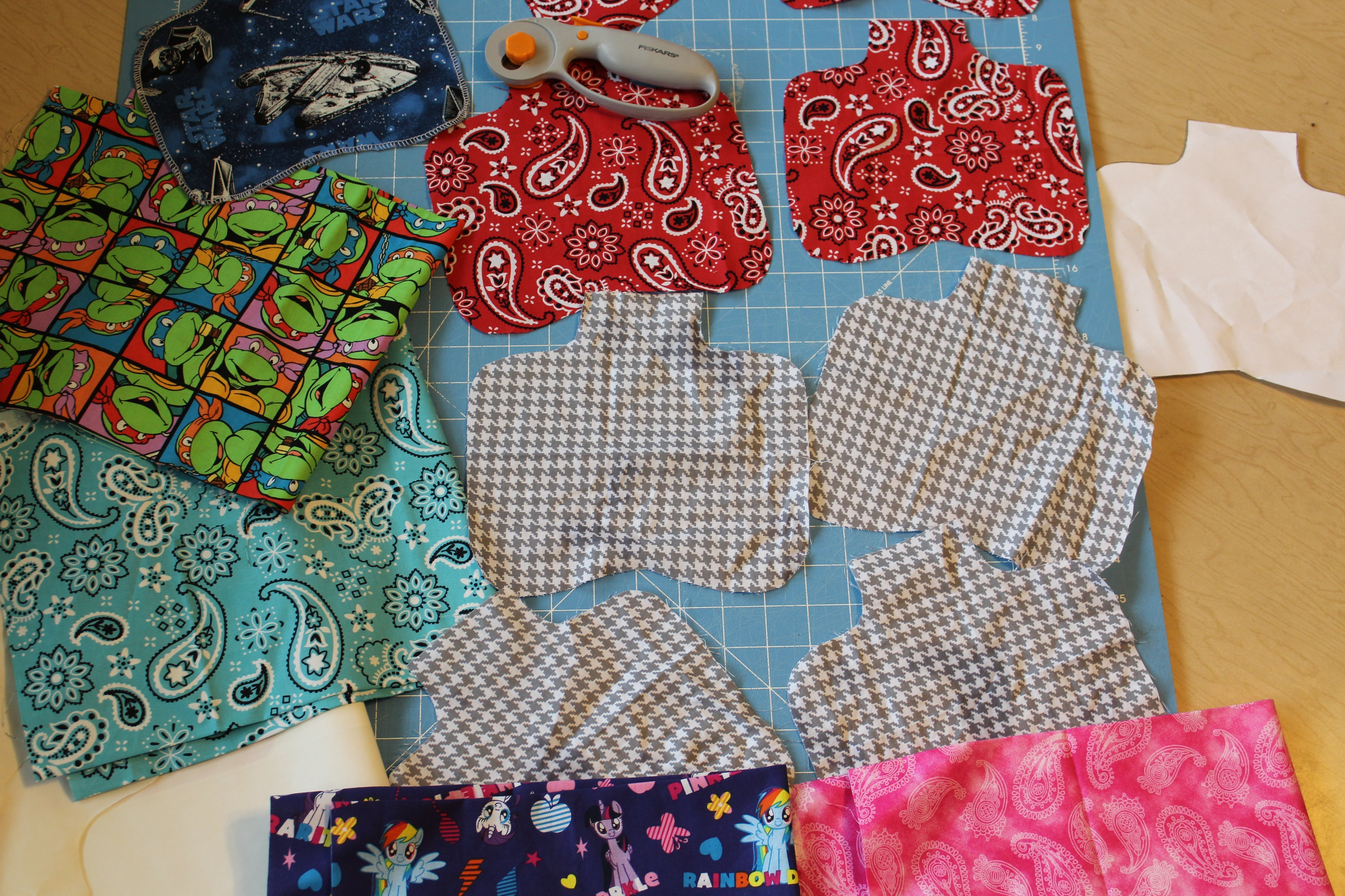 DIY hen apron pattern