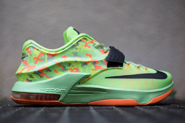 nike-basketball-2015-easter-collection-release-reminder-05