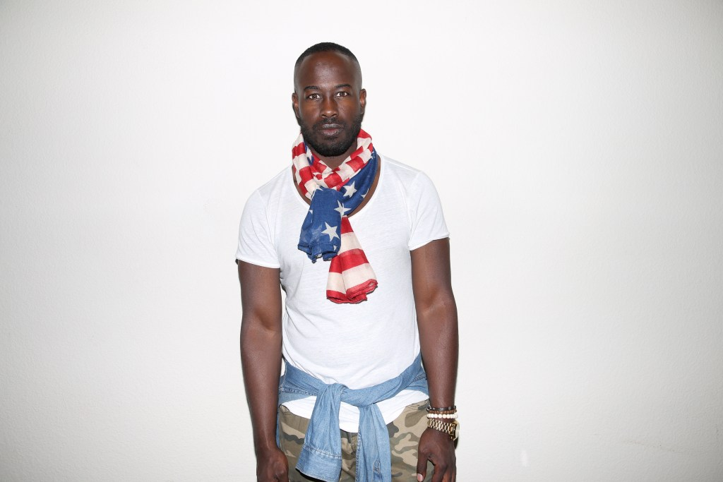3-ways-to-wear-a-summer-scarf-the-upper-echelon-blog