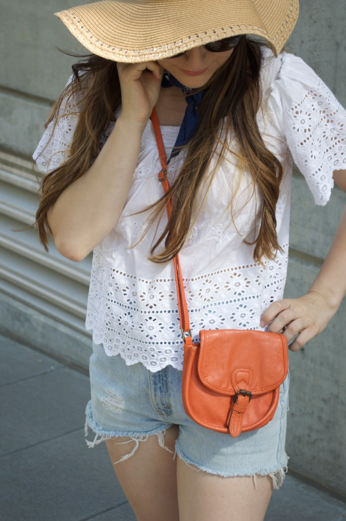 portland, oregon, fashion, summer, pearl district, city, industrial, shorts, eyelet top, sun hat, purse, sandals