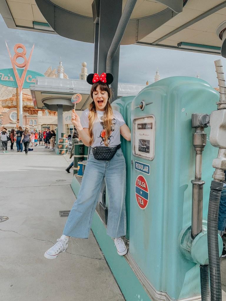 Disneyland, Disney California Adventure, Car's Land, Flo's Cafe, Instagram, Disneyland Instagram photo guide, photo guide, Disney, travel blogger, fashion blogger, travel, fashion