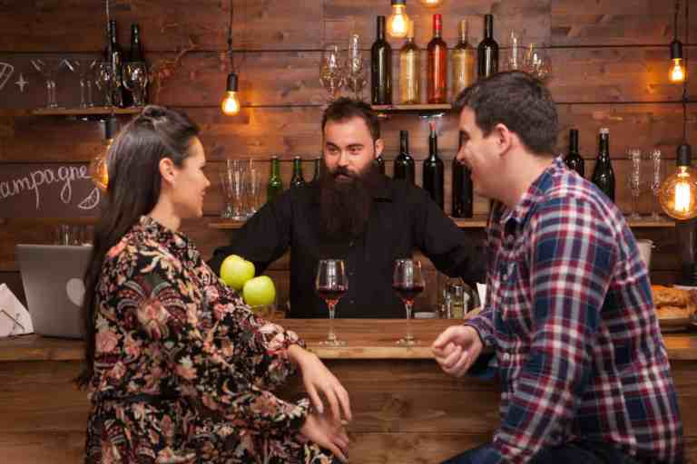 10 Dating Tips from a Former Bartender