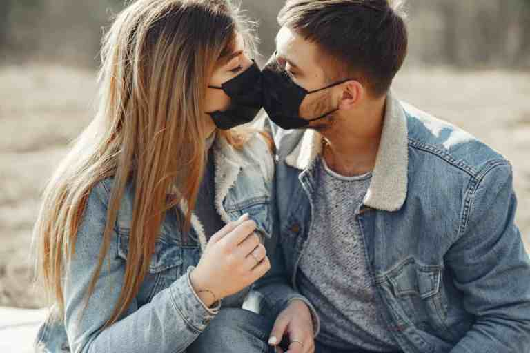 How to Find Love in The Midst of Lockdowns