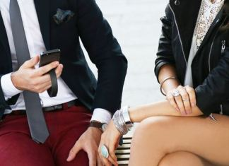 QBracelet fashiontech gadget that charges your phone